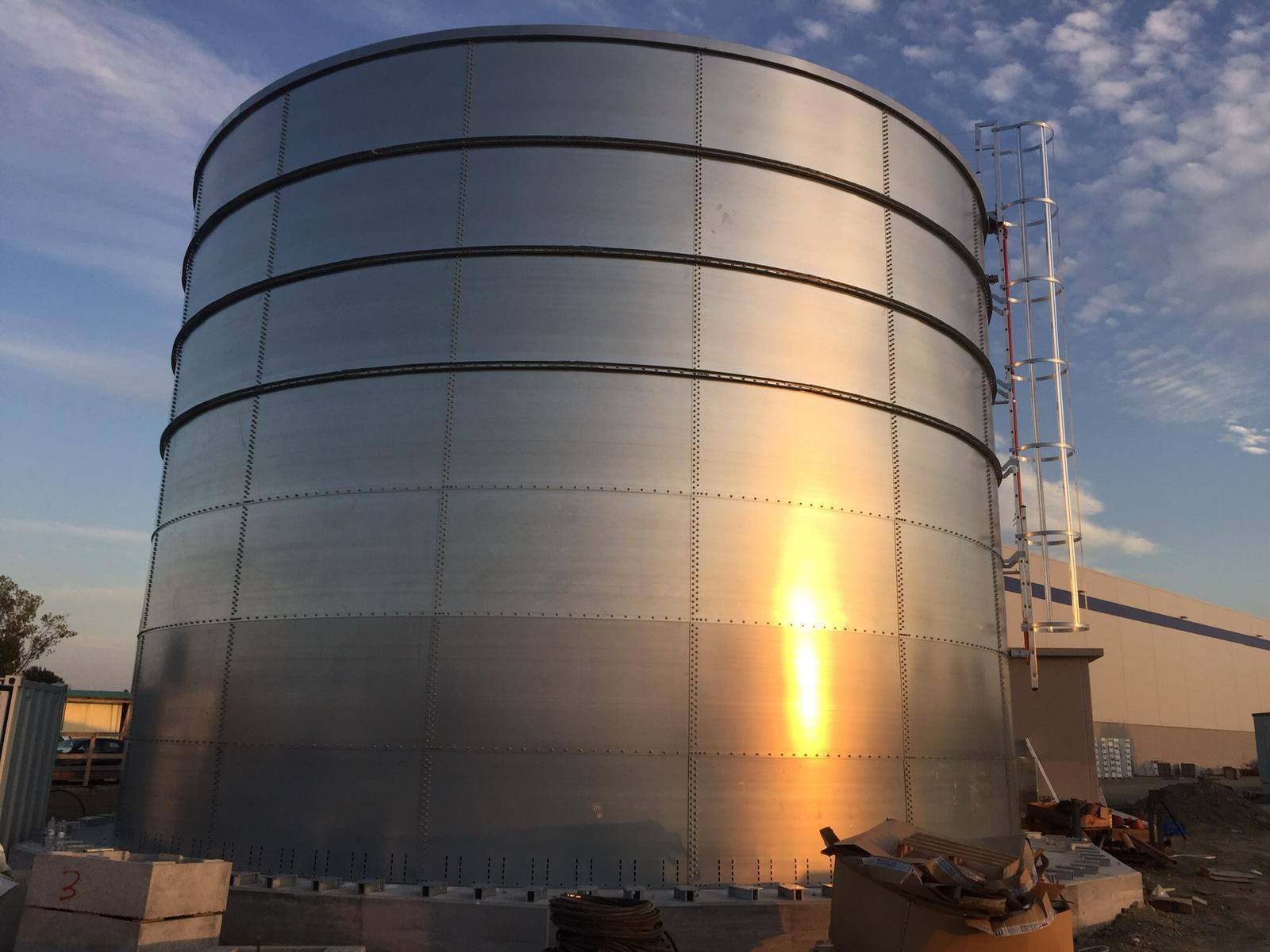 Tanques de Agua y Almacenamiento: Instalación y mantenimiento